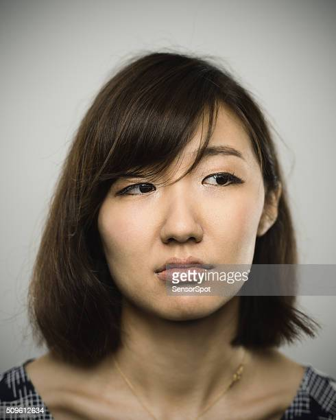 のポートレート、若い中国人女性がカメラ目線