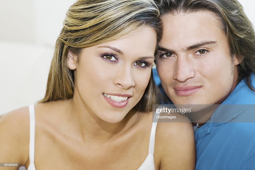 Portrait of a young couple smiling : Foto de stock