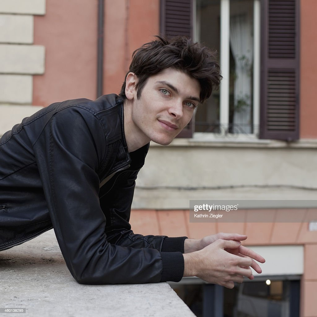 portrait of a young man, looking at camera : Stock Photo