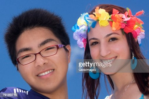 Portrait of a young man with his friend smiling : Foto de stock