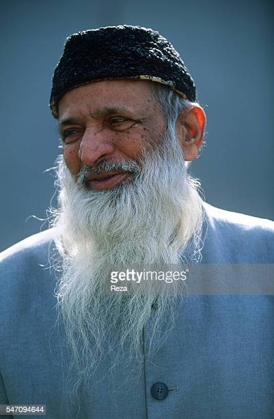 abdul sattar edhi report Abdul sattar edhi (urdu: عبدالستار ایدھی   28 february 1928 – 8 july 2016) was a pakistani philanthropist, ascetic, and humanitarian who founded the edhi foundation, which runs the world's largest volunteer ambulance network, along with homeless shelters, animal shelter, rehab centres, and orphanages across pakistan.