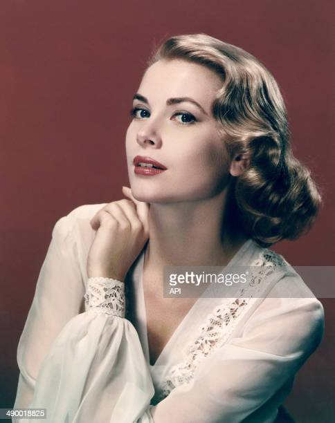 Portrait of actress Grace Kelly in 1955
