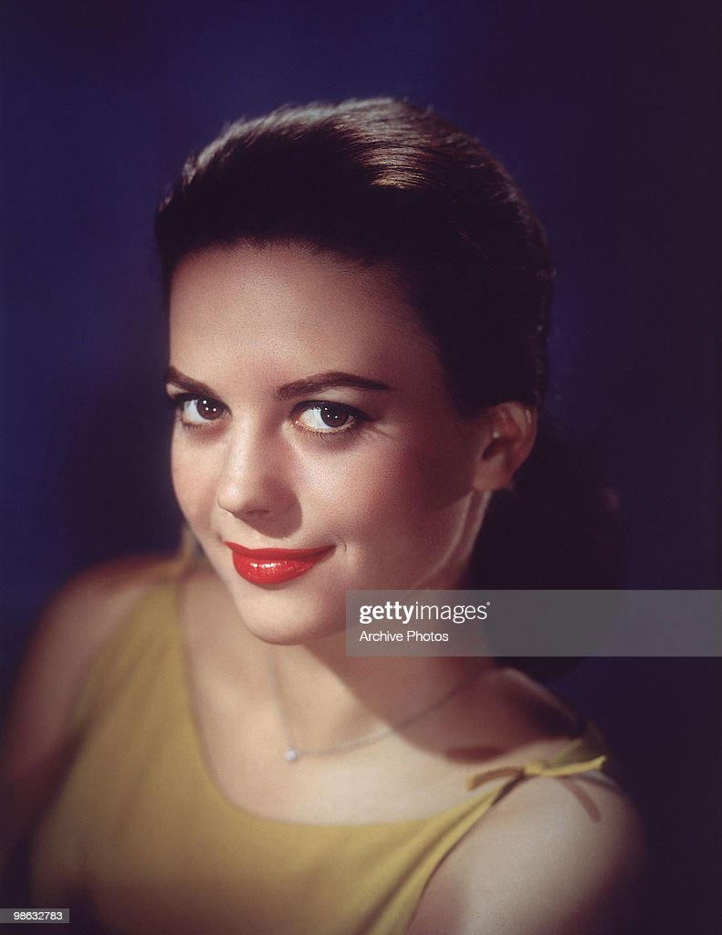 A portrait of actress <a gi-track='captionPersonalityLinkClicked' href=/galleries/search?phrase=Natalie+Wood&family=editorial&specificpeople=209403 ng-click='$event.stopPropagation()'>Natalie Wood</a>, circa 1961.