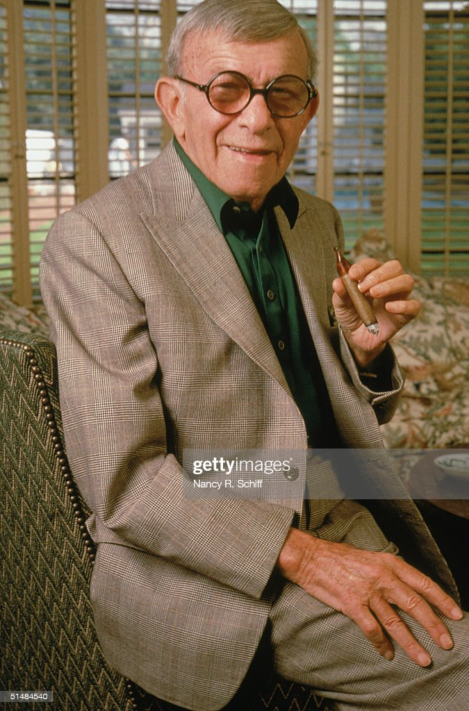 Portrait of American actor and comedian <a gi-track='captionPersonalityLinkClicked' href=/galleries/search?phrase=George+Burns+-+Actor&family=editorial&specificpeople=90939 ng-click='$event.stopPropagation()'>George Burns</a> (1896 - 1996) smoking his trademark cigar, 1981.