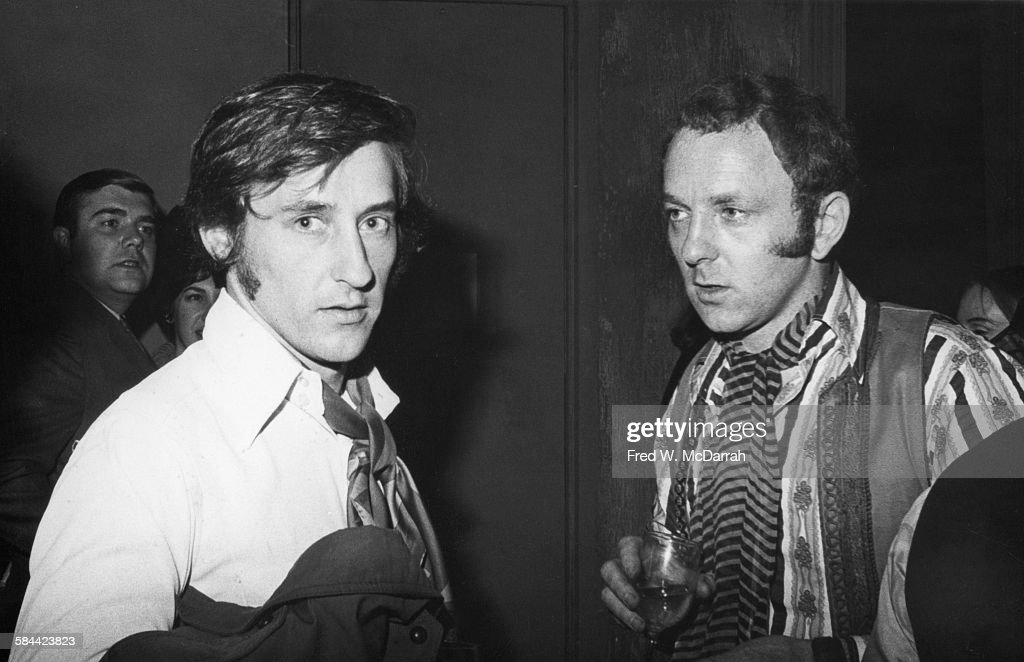 Portrait of American artist Edward Ruscha (left) and British artist <a gi-track='captionPersonalityLinkClicked' href=/galleries/search?phrase=Gerald+Laing&family=editorial&specificpeople=1297216 ng-click='$event.stopPropagation()'>Gerald Laing</a> (1936 - 2011) as they attend an unspecifed event, New York, New York, October 11, 1967.