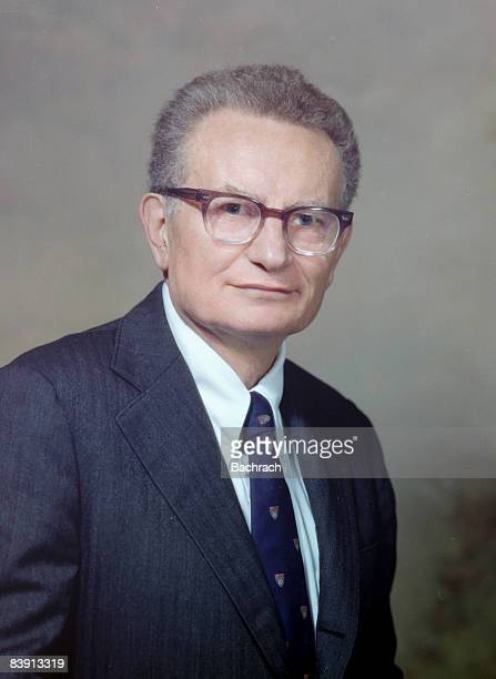 a biography of paul anthony samuelson an american economist 2018-05-04 paul anthony samuelson  yale honorand biography nobel-winning economist paul a samuelson dies at age 94  american economic association meetings, webcast links to remarks of: solow & diamond (after intro).