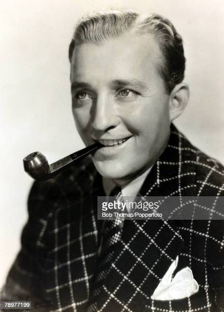 Stage and Screen Music / Personalities pic circa 1940 Bing Crosby portrait American singer Bing Crosby actor and singer famous for his 'crooning'...