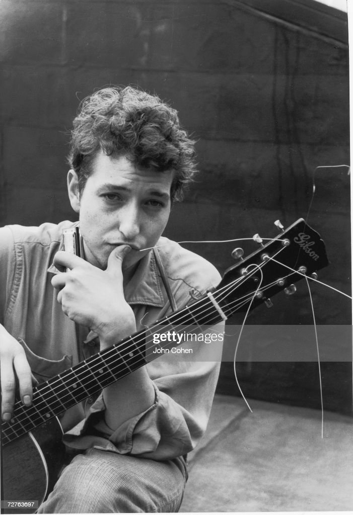 Portrait of American singer and musician <a gi-track='captionPersonalityLinkClicked' href=/galleries/search?phrase=Bob+Dylan&family=editorial&specificpeople=203289 ng-click='$event.stopPropagation()'>Bob Dylan</a> (born Robert Zimmerman), New York, New York, 1962.