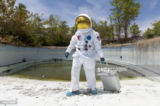 Retrato de un astronauta en vacío de la piscina.