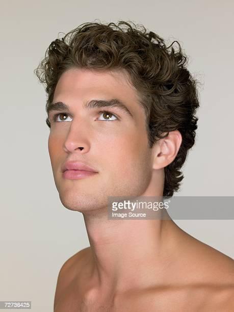 のポートレート、魅力的な若い男性