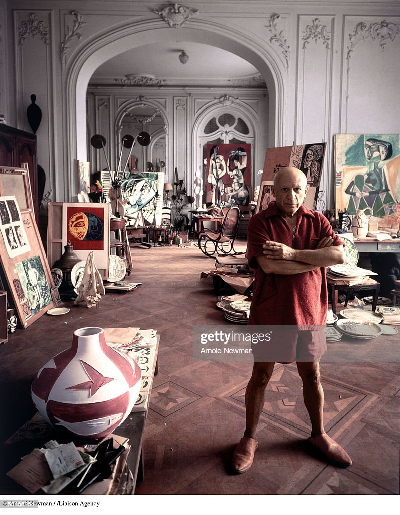 Portrait of artist <a gi-track='captionPersonalityLinkClicked' href=/galleries/search?phrase=Pablo+Picasso&family=editorial&specificpeople=85469 ng-click='$event.stopPropagation()'>Pablo Picasso</a> September 11, 1956 in Cannes, France.