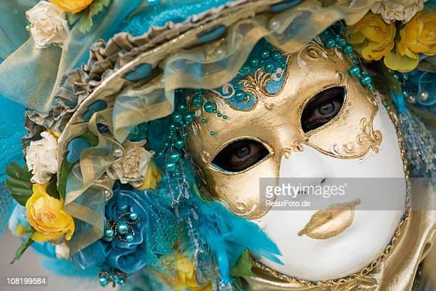 Portrait de belles femmes orné d'un Masque de carnaval de Venise