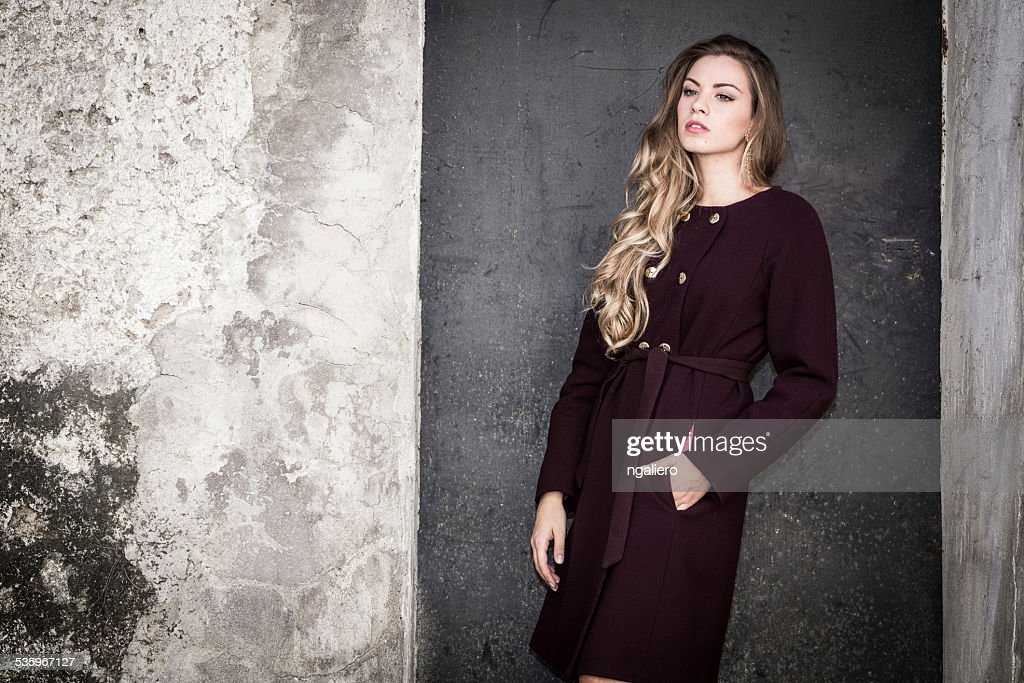Portrait of beautiful young woman : Stock Photo