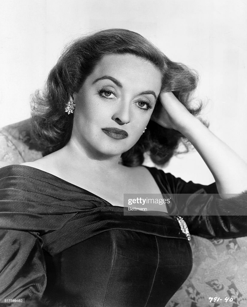 Portrait of <a gi-track='captionPersonalityLinkClicked' href=/galleries/search?phrase=Bette+Davis+-+Actress&family=editorial&specificpeople=93133 ng-click='$event.stopPropagation()'>Bette Davis</a> in the role of Margo Channing for the 1950 Twentieth Century Fox production 'All About Eve.' Undated publicity photograph.