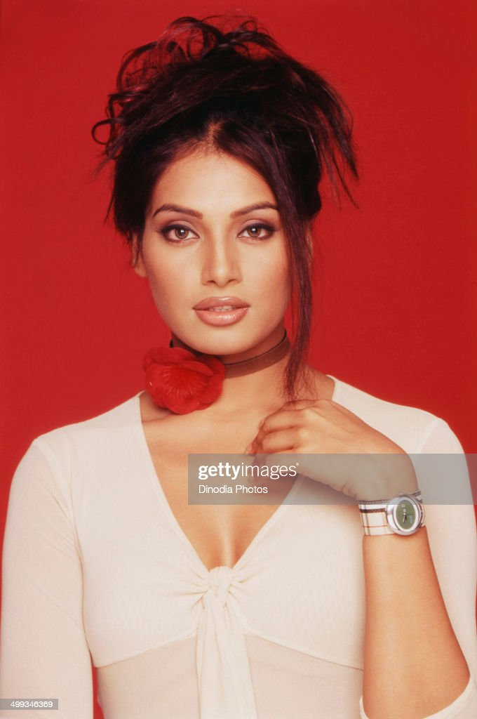 Portrait of <a gi-track='captionPersonalityLinkClicked' href=/galleries/search?phrase=Bipasha+Basu&family=editorial&specificpeople=695956 ng-click='$event.stopPropagation()'>Bipasha Basu</a>.