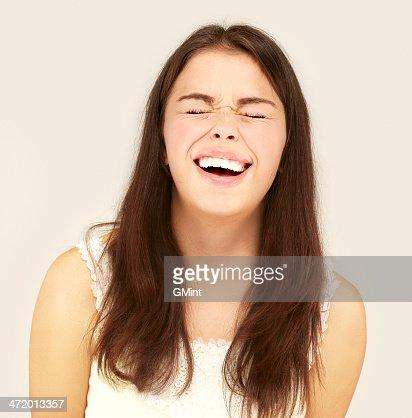 Portrait de jeune fille heureux heureux