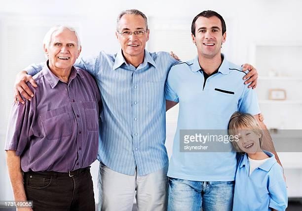 Retrato de quatro gerações de Homens