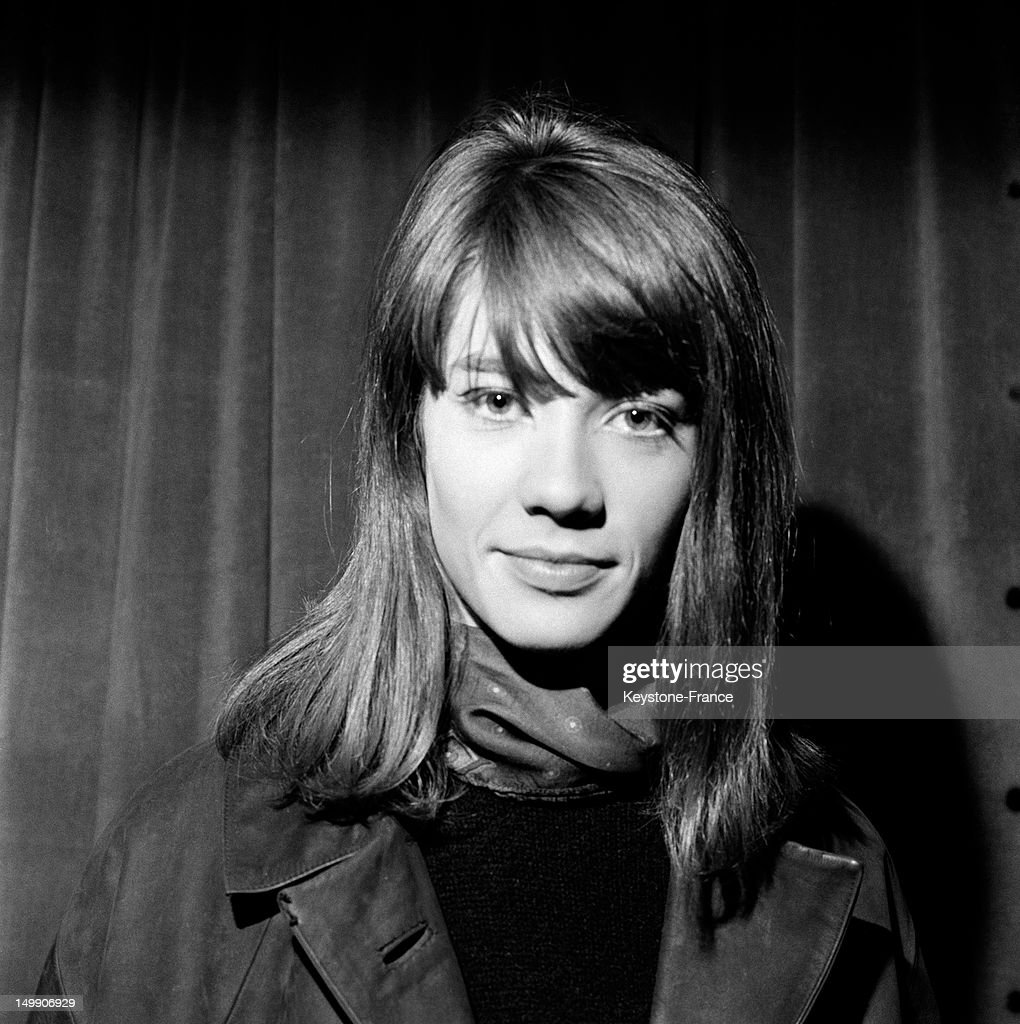 Portrait of French singer <a gi-track='captionPersonalityLinkClicked' href=/galleries/search?phrase=Francoise+Hardy&family=editorial&specificpeople=941715 ng-click='$event.stopPropagation()'>Francoise Hardy</a>, famous since her first song 'Tous les garcons et les filles' on April 17, 1963 in Paris, France.