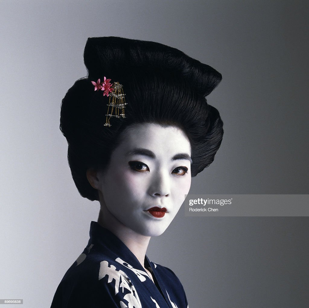 Portrait of geisha