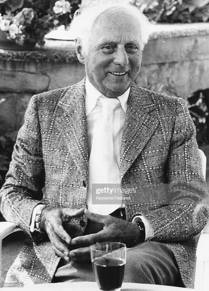 Portrait of German artist and sculptor <a gi-track='captionPersonalityLinkClicked' href=/galleries/search?phrase=Max+Ernst&family=editorial&specificpeople=932116 ng-click='$event.stopPropagation()'>Max Ernst</a> sitting outdoors, 1976.