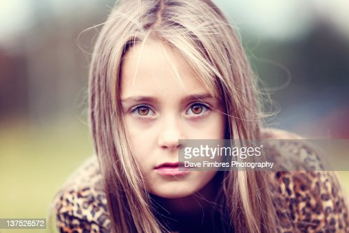 Portrait of girl : Stock Photo