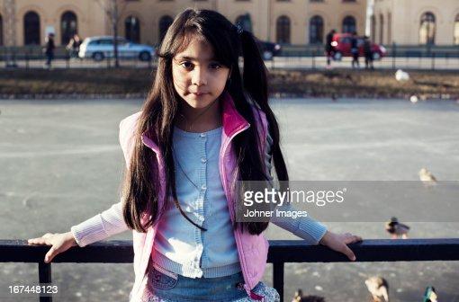 Portrait of girl : Stock Photo