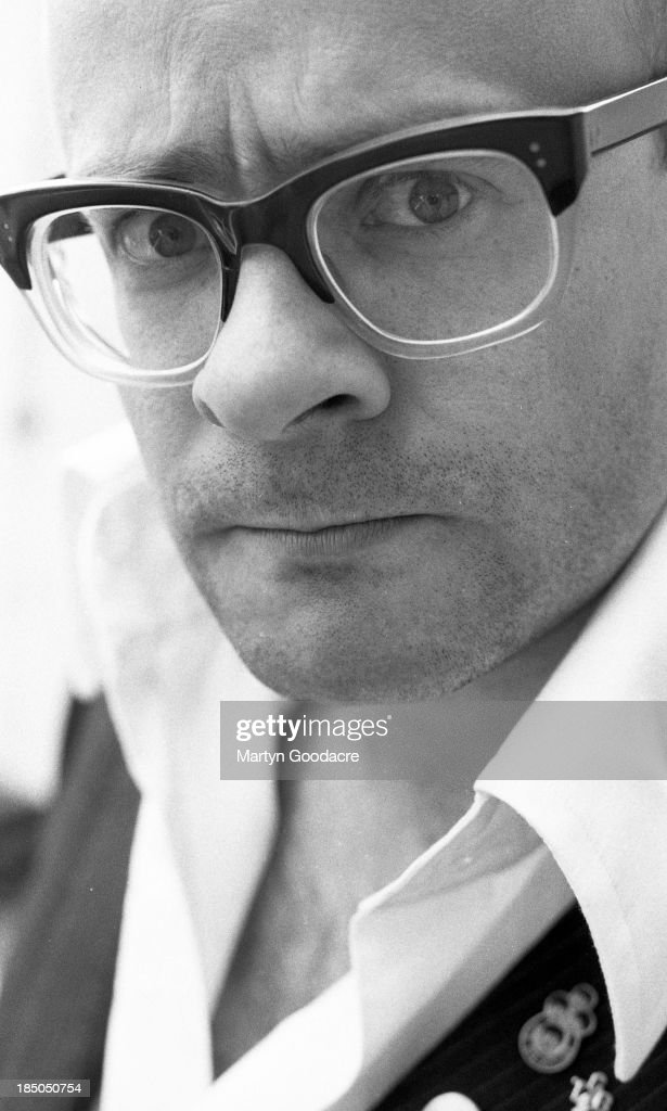 Portrait of <a gi-track='captionPersonalityLinkClicked' href=/galleries/search?phrase=Harry+Hill&family=editorial&specificpeople=228845 ng-click='$event.stopPropagation()'>Harry Hill</a>, London, United Kingdom, 1996.