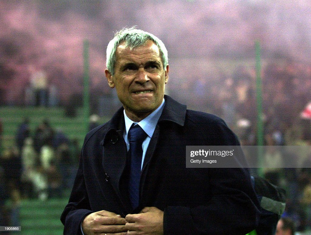 A portrait of Inter Milan coach Hector Cuper