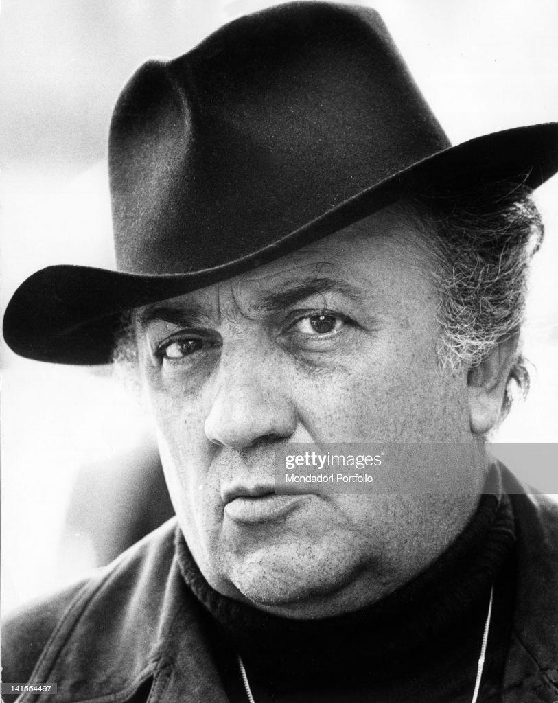 Portrait of Italian director <a gi-track='captionPersonalityLinkClicked' href=/galleries/search?phrase=Federico+Fellini&family=editorial&specificpeople=243035 ng-click='$event.stopPropagation()'>Federico Fellini</a>. Rome, 1973