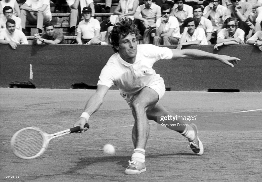 Portrait of Jan KODES, a Czechoslovakian tennisman, in action. He won the French tennis Open in Roland-Garros against the Yugoslavian player Z. FRANULOVIC that year.