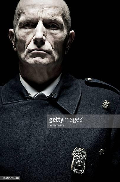 警察官のポートレートカラー、雄
