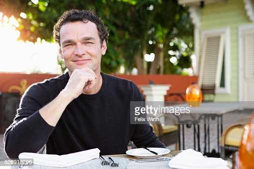 Portrait of man in outdoor restaurant : Stock-Foto