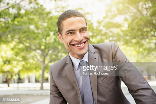 Portrait of mid adult man in suite : Stockfoto