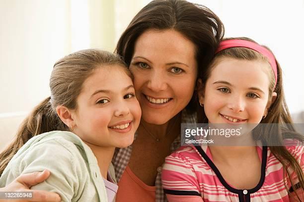 Portrait de mère et deux filles