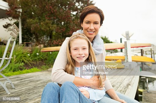 Portrait of mother with daughter (8-9) : Stock-Foto