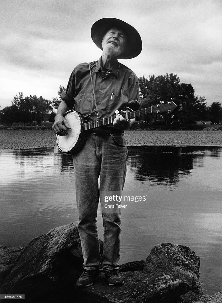 Portrait of musician and activist <a gi-track='captionPersonalityLinkClicked' href=/galleries/search?phrase=Pete+Seeger&family=editorial&specificpeople=213821 ng-click='$event.stopPropagation()'>Pete Seeger</a>, Beacon, New York, 1995.