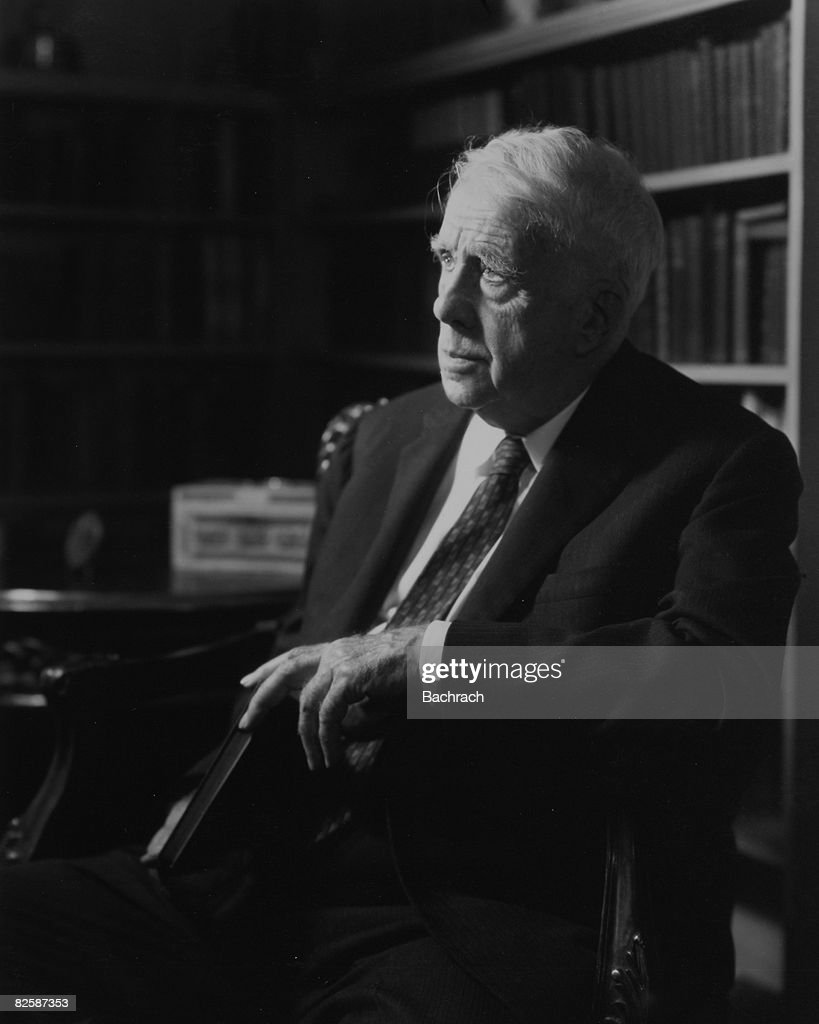 Portrait of Pulitzer Prize-winning American Poet Laureate <a gi-track='captionPersonalityLinkClicked' href=/galleries/search?phrase=Robert+Frost+-+Poet&family=editorial&specificpeople=213641 ng-click='$event.stopPropagation()'>Robert Frost</a> (1874 - 1963), 1950s.