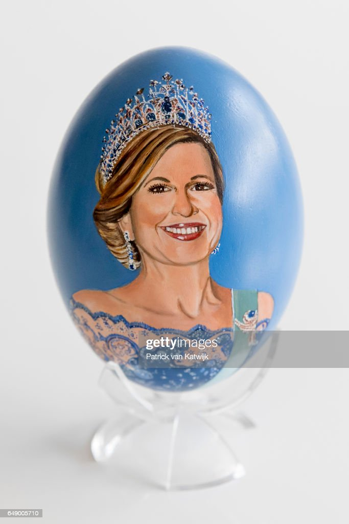 portrait-of-queen-maxima-of-the-netherlands-on-an-handpainted-egg-by-picture-id649005710
