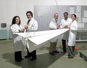 Porträt der Wissenschaftler und Ingenieure im Labor