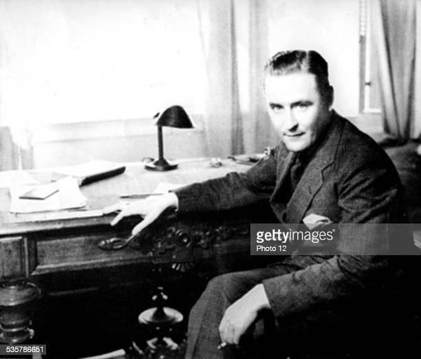 Portrait of Scott Fitzgerald United States Paris Centre Benjamin Franklin