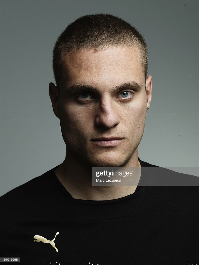 s et images de Nemanja Vidic Portrait Session