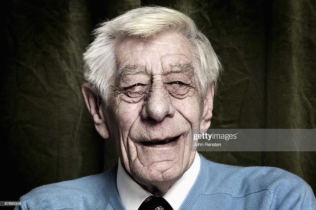 portrait of smiling old man with wrinkled face : Stock Photo