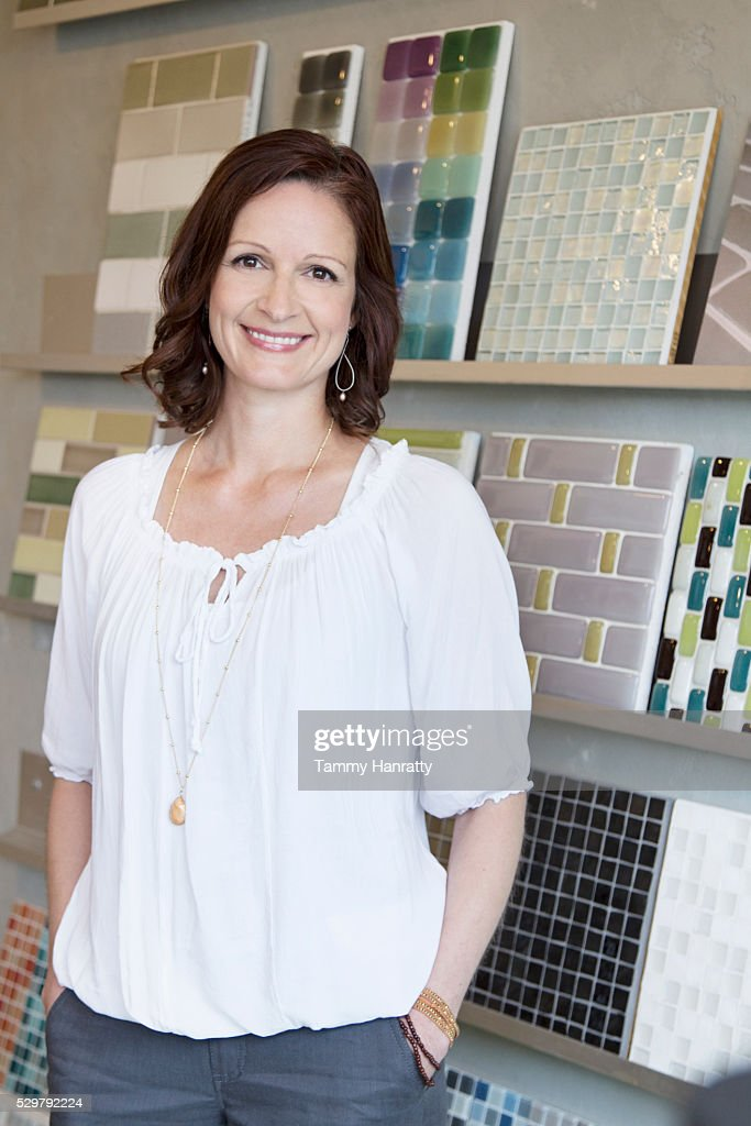 Portrait of smiling woman : Stock Photo