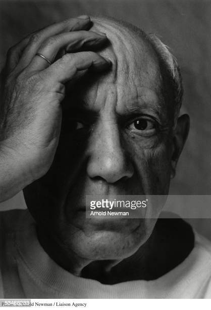 Premium Rates Apply Minimum rate $500 USD 366785 01 Portrait of Spanish artist Pablo Picasso June 2 1954 in Vallauris France Picasso is considered by...