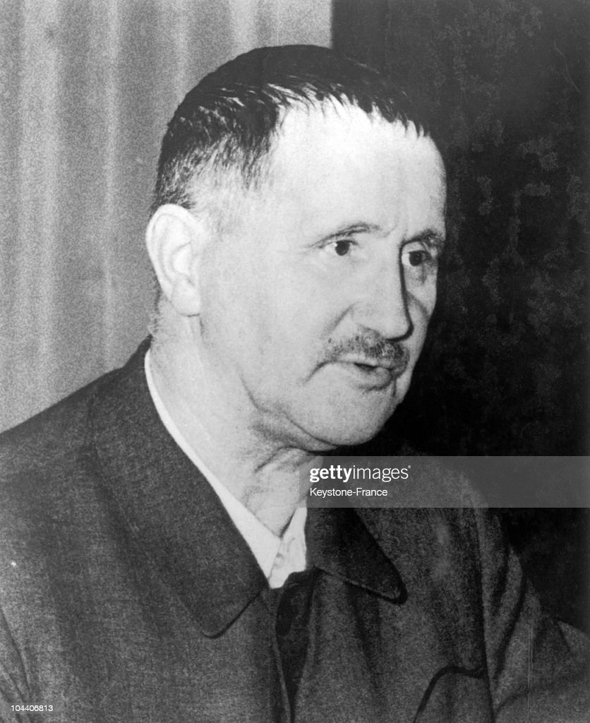 bertolt brecht in 1954 pictures getty images portrait of teh german poet essay writer and dramatist bertolt brecht photographed in east