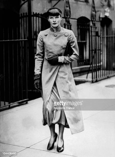 Portrait of the American actress Katharine HEPBURN then aged 28 out for a stroll on April 5 1934