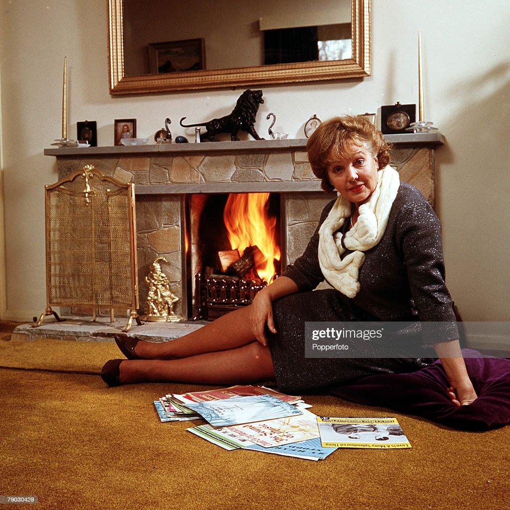 1965 a portrait of the british dancing actress jessie matthews