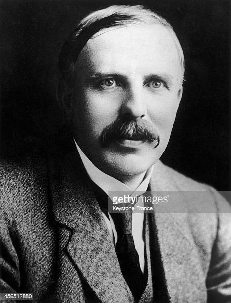 a biography of ernest rutherford a new zealand physicist Ernest rutherford, 1st baron rutherford of nelson, om, frs was a new zealand-born british physicist who became known as the father of nuclear physicsa biogr.