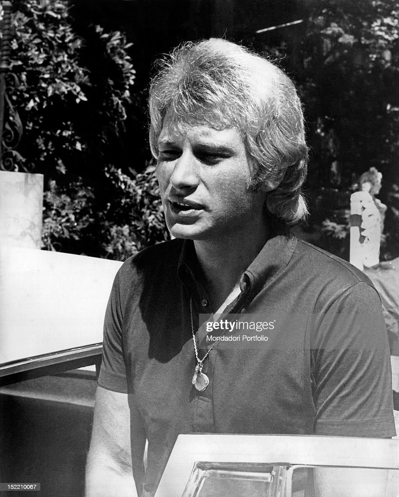 Portrait of the French singer and actor <a gi-track='captionPersonalityLinkClicked' href=/galleries/search?phrase=Johnny+Hallyday&family=editorial&specificpeople=243155 ng-click='$event.stopPropagation()'>Johnny Hallyday</a> (Jean-Philippe Smet). Sanremo, August 1968