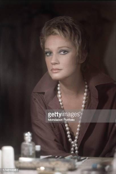 Portrait of the singer and TV presenter Italian Iva Zanicchi at her home in Lesmo Lesmo Italy 1981